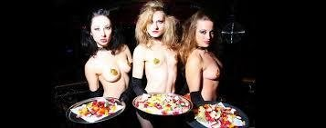 How to pick up a topless waitress in Sydney